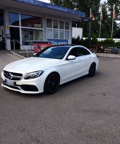 Mercedes-Benz-C-Klasse-weiss-z